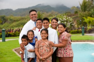 portrait-family-hawaii-852140-gallery