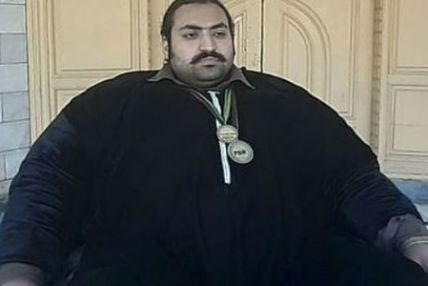 श्रीमतीको खोजीमा छन् ४४४ किलो वजन भएका २७ वर्षीय युवक