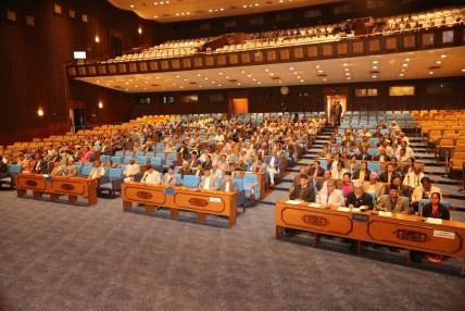 आज संसद् अधिवेशन, पेश होला अविश्वासको प्रस्ताव ?