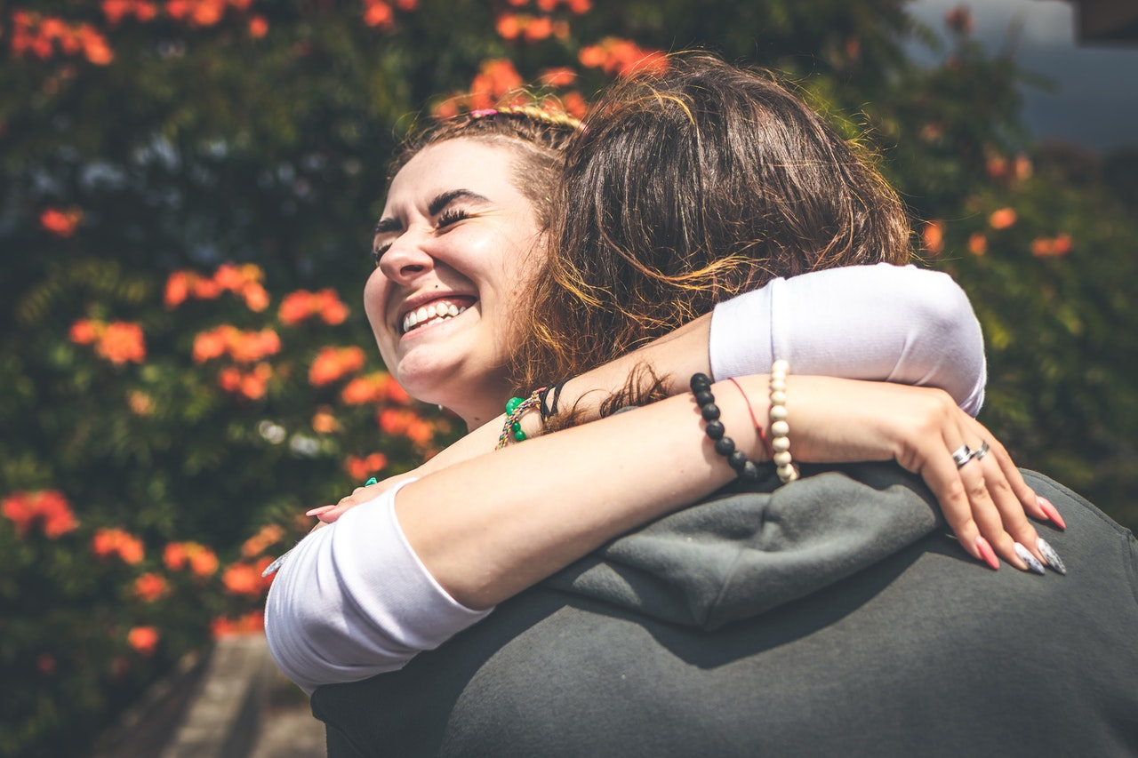 5 Important Benefits of Hugs