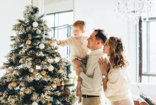 Signs It's Time to Get Rid of Your Live Christmas Tree