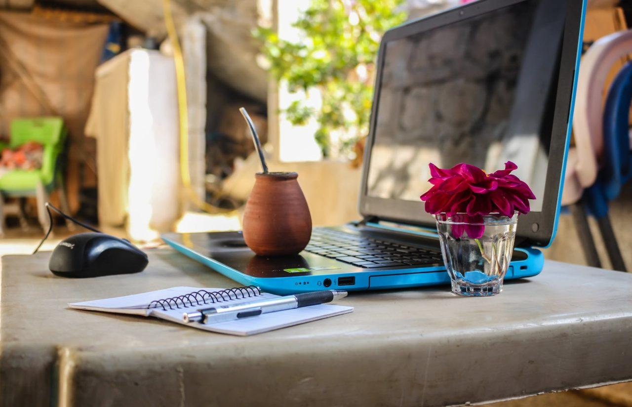 Modern Outdoor Office