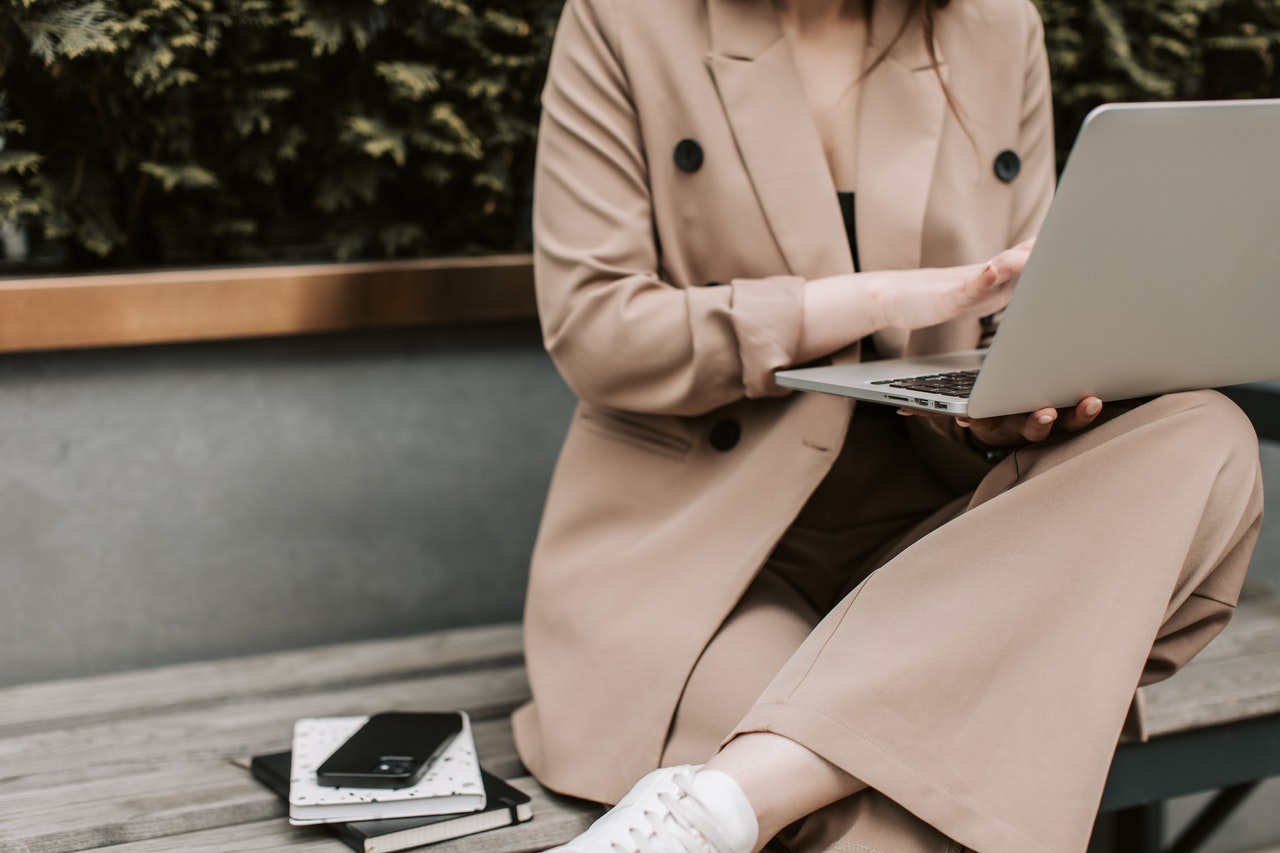 Why Power Dressing is Important at Workplace For Women