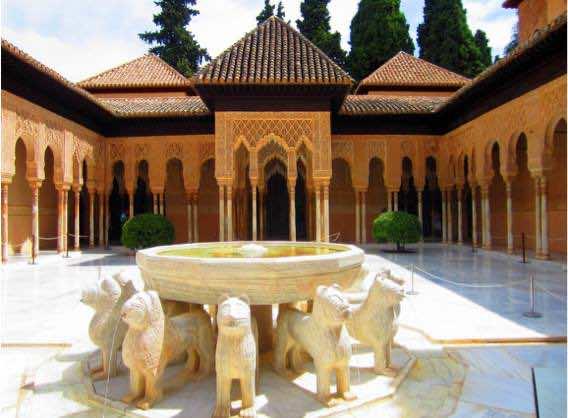 Das Gericht der Löwen im Alhambra Palace in Grenada, Spanien