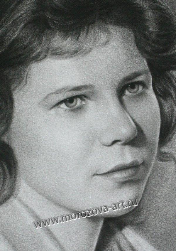 Черно-белый женский портрет на заказ по фотографии, в ...