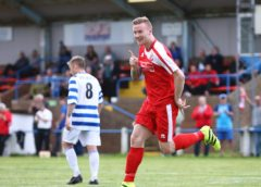 Curtis Coppen signs contract with Morpeth Town