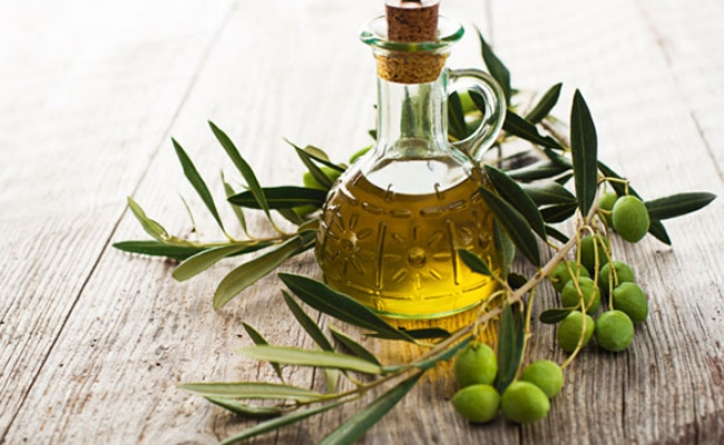 Olive Oil And Vitamin E Oil