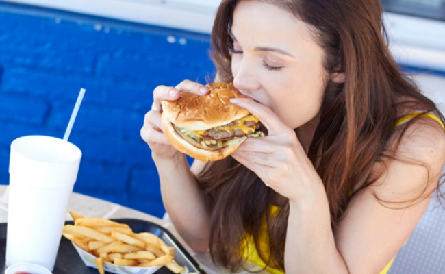 Getting lured by sight and smell - 10 Bad Eating Habits Not Allowing You To Lose Weight Fast