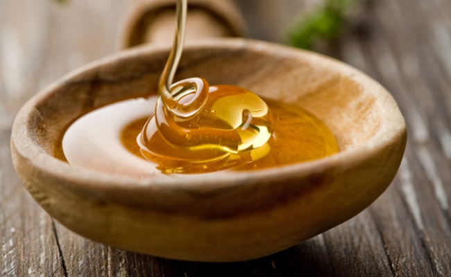 Honey - Top 15 Amazing Natural Remedies Present In Your Kitchen