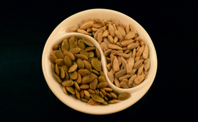 Sunflower Seeds And Pumpkin Seeds - 11 Home Remedies To Increase Sperm Count