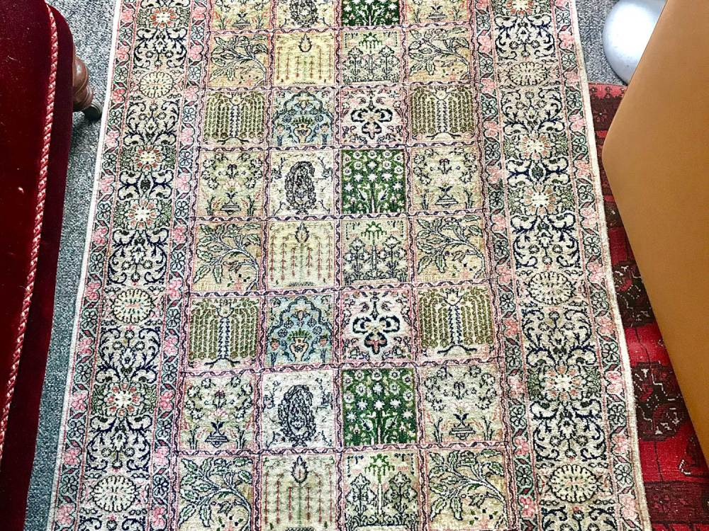 Fine Silk Carpet