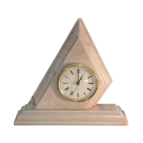reloj triangulo simple mármol rosa portugués
