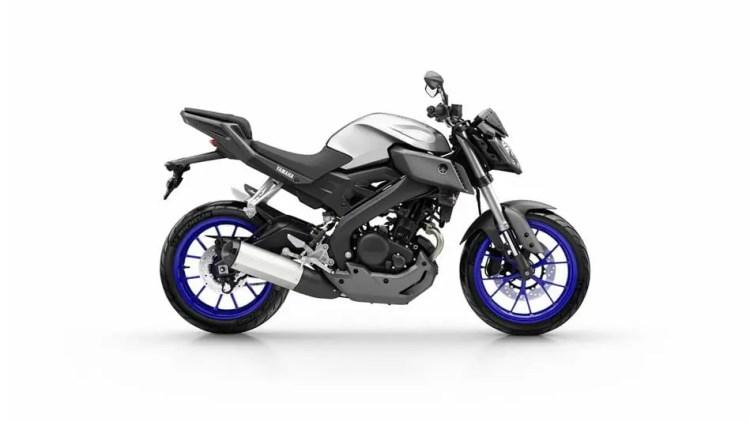2016-Yamaha-MT125-EU-Race-Blu-Studio-002