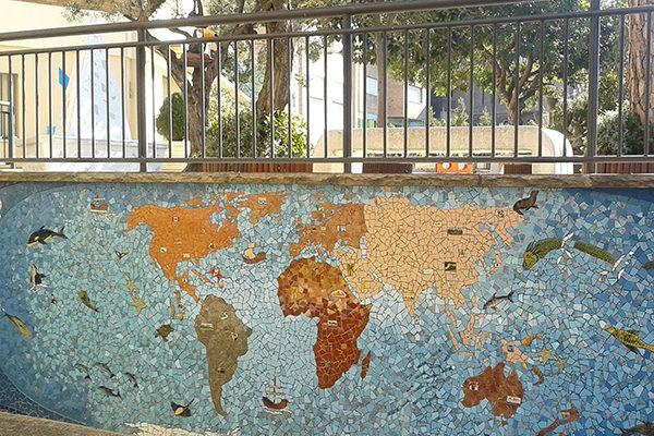 Mapamundi, 15m x 1'90m, La Miranda School, Barcelona, 2013.
