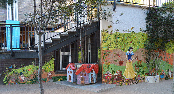Snow White and the seven dwarfs mural, 7m x 2'50m, La Miranda School, Barcelona, 2015.