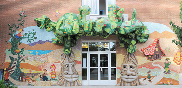 Magic Forest mural, 12m x 5m, Colegio Alameda de Osuna, Madrid, 2013.