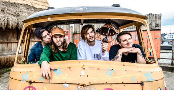 Gig Review: WSTR / Between You And Me / Hey Charlie – Glasgow