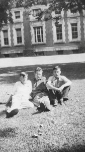 Harold and friends at UNL 1940