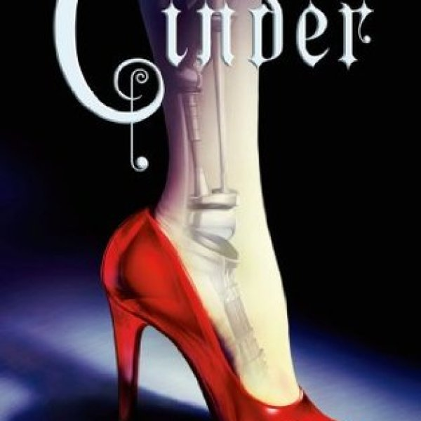 Review: Cinder by Marissa Meyer