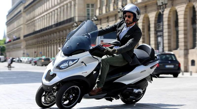 Conducir motos de tres ruedas con el carnet de coche