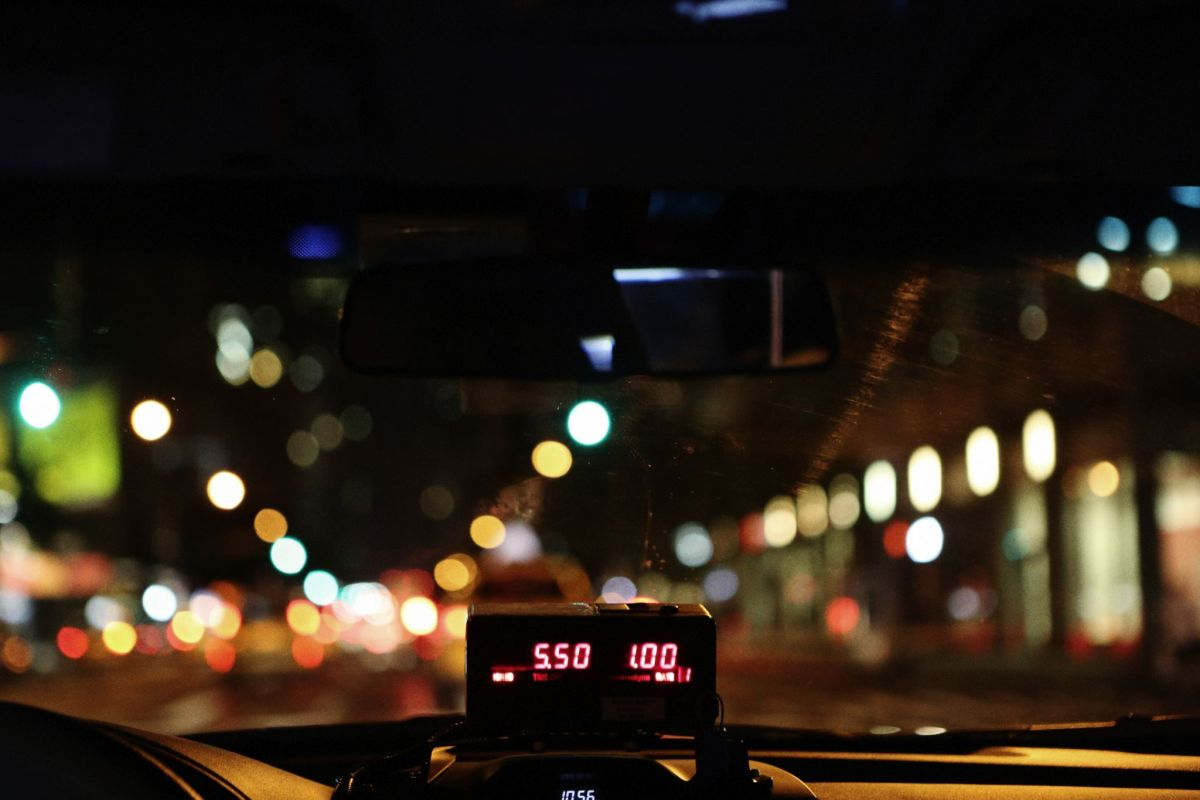 stay safe this Christmas party season by taking a licenced cab
