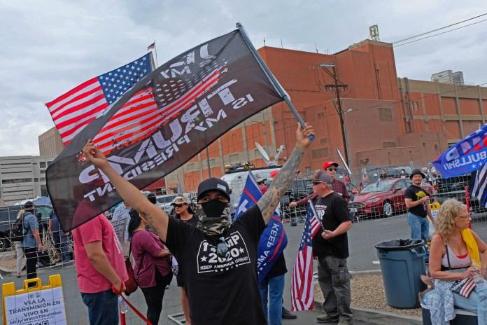 Протестующие в Аризоне