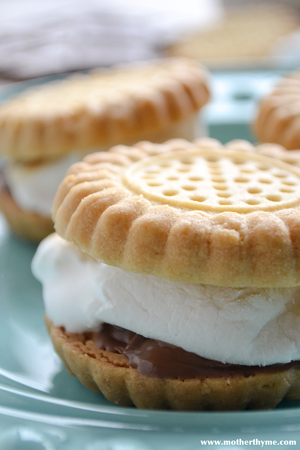 Shortbread S'mores - www.motherthyme.com