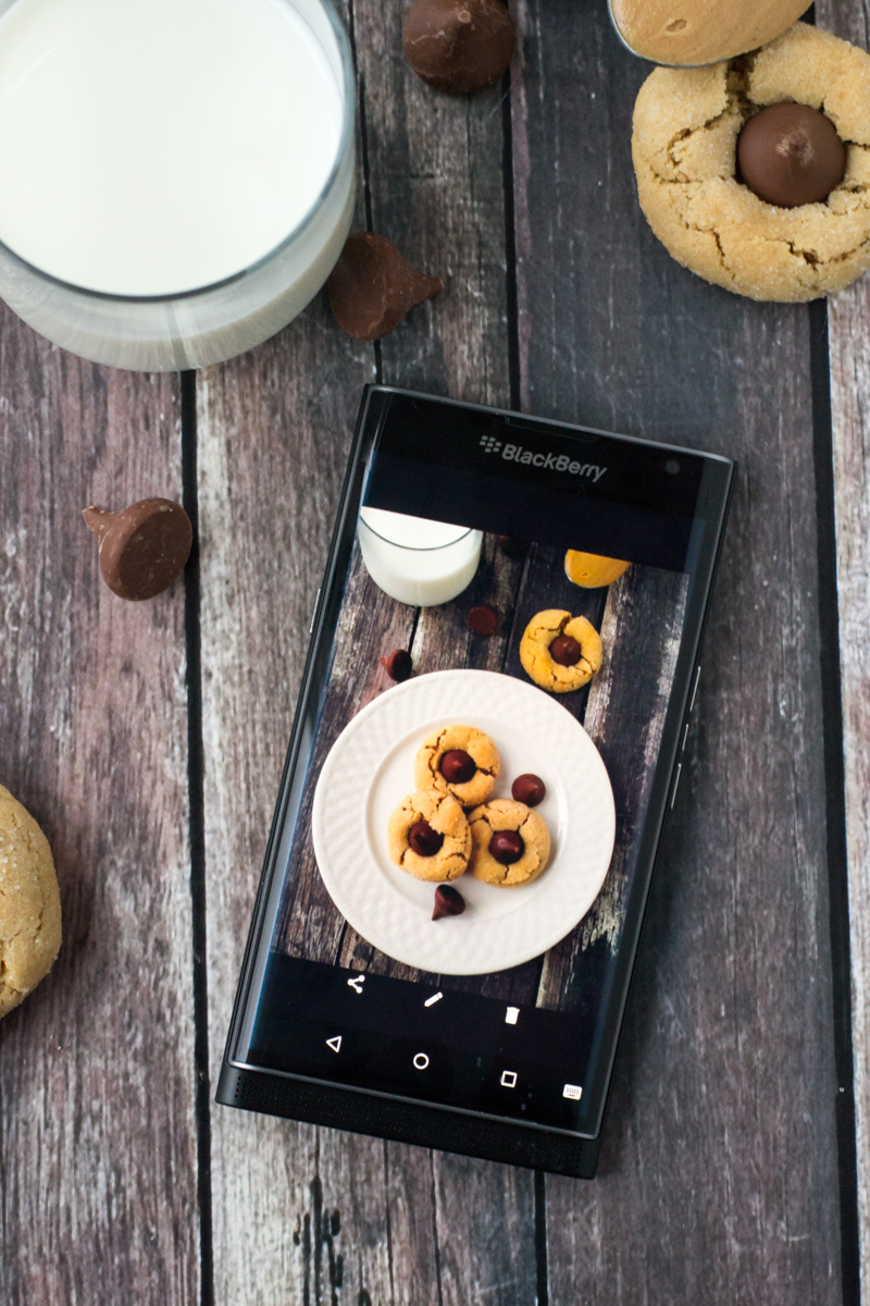 Keeping It Together With The Blackberry Priv   www.motherthyme.com #priv