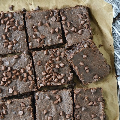 Fudgy Flourless Black Bean Brownies