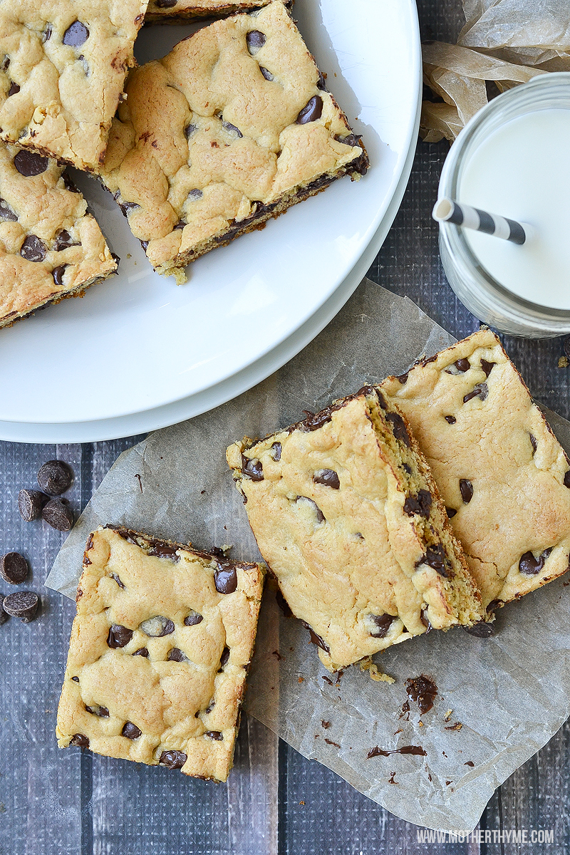 THE BEST CHOCOLATE CHIP COOKIE BARS