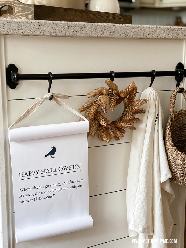 FALL AND HALLOWEEN SCROLL - FREE PRINTABLES