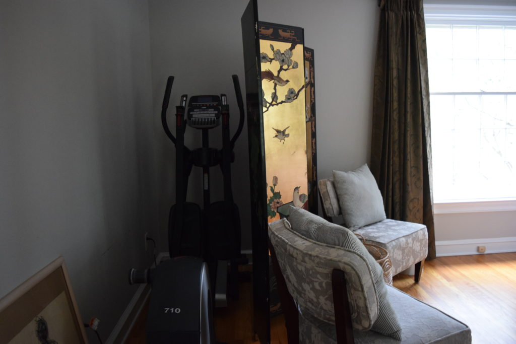 elliptical behind chinoiserie screen and chairs