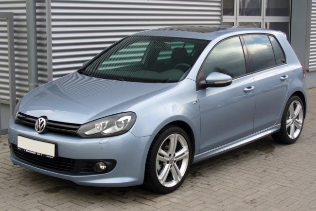 VW_Golf_VI_1.4_TSI_DSG_Highline_R-Line_Sharkblue