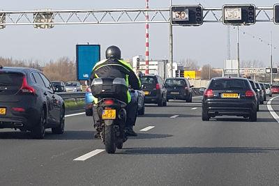 Motorrijden in de file - Moto Maestro Motortrainingen