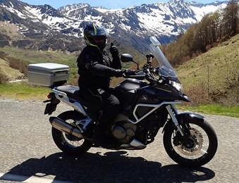 des beaux souvenirs du voyage moto dans les Pyrénées