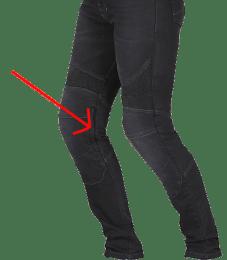 jean moto femme avec ouverture des protections des genoux à l'extérieur