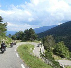 1-Moto Pyrénées balades voyages vacances Vers la Catalogne