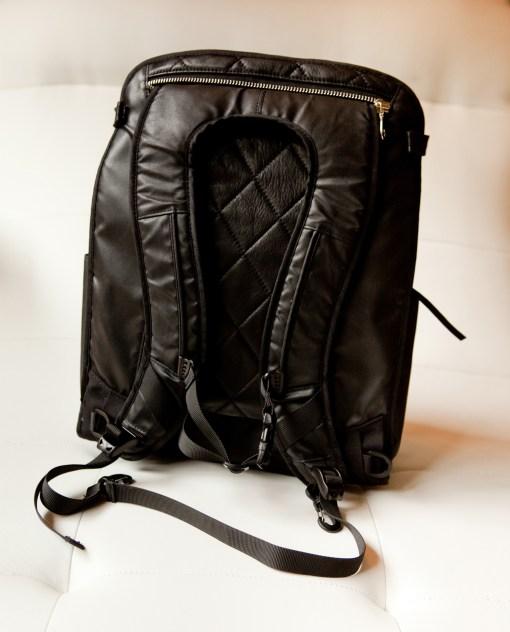 Lauren: Black backpack mode