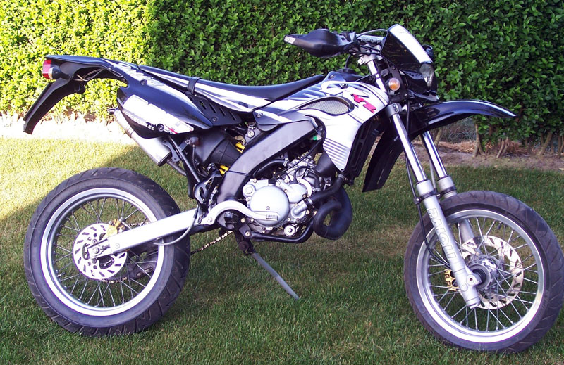Motorhispania RYZ 49 Supermotard