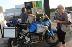I hijacked this couple to help me get fuel - thank-you so much guys!