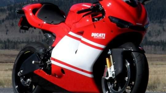 Ducati Desmosedici RR (2007) Dalla pista alla strada