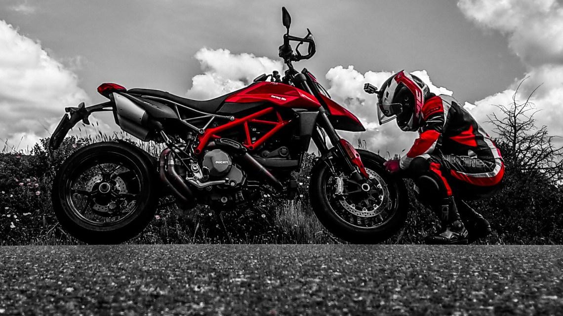 Prova Ducati Hypermotard 950, adrenalina allo stato puro!!