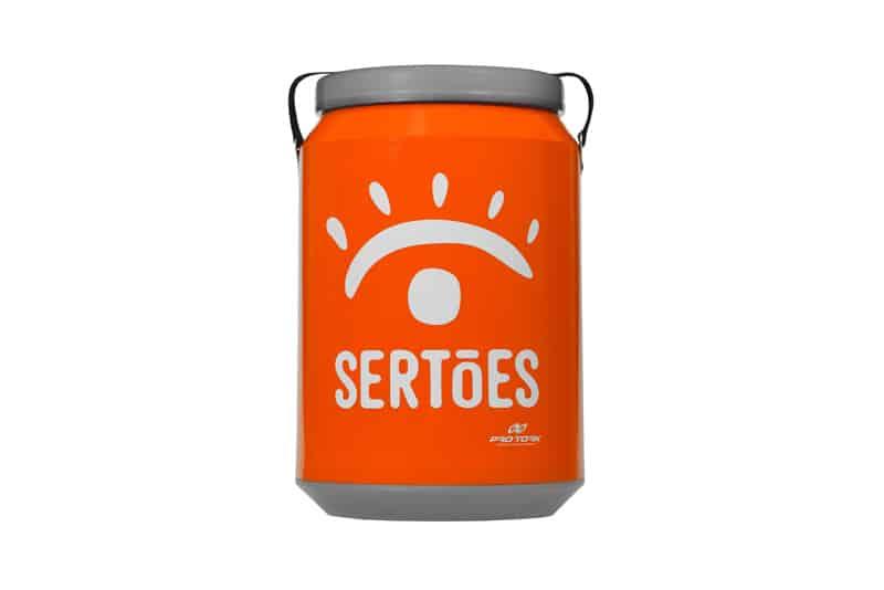 Cooler Térmico: fabricado em polietileno de alta densidade e resistência, com capacidade para 24 latas de 350ml