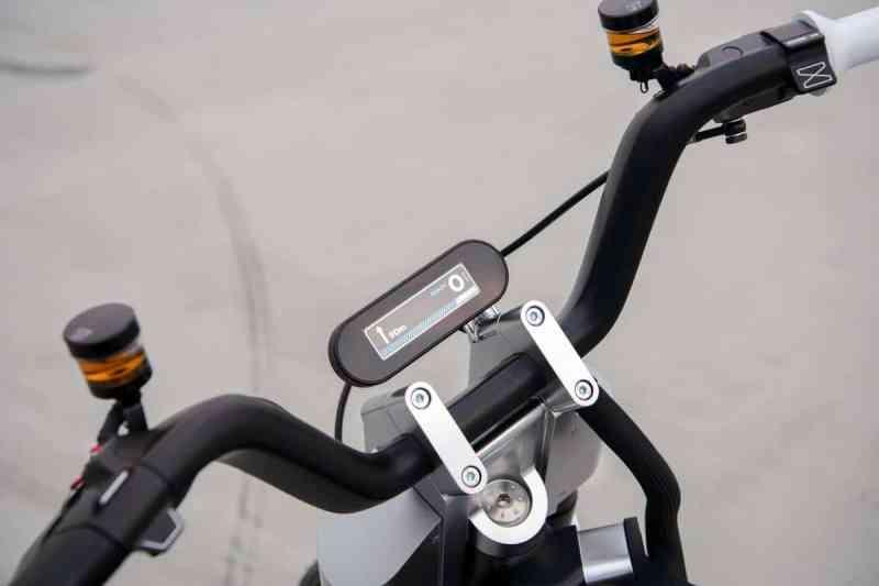 scooter elétrico ce 02 painel