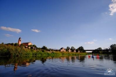 Za nami kościół i most w Sochaczewie