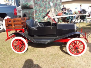 Mini Model T at Destination Eustis 2016 Motorcycle Show