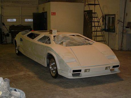 Lamborghini Countach limusina, en proceso