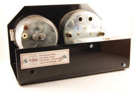Reloj de sobremesa con los relojes del primer 911 Turbo