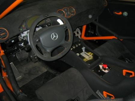 Mercedes CLK DTM AMG, de color naranja