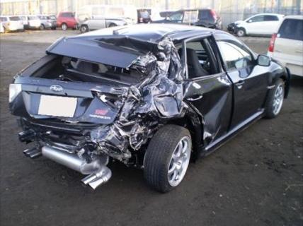 Subaru Impreza WRX STI accidentado